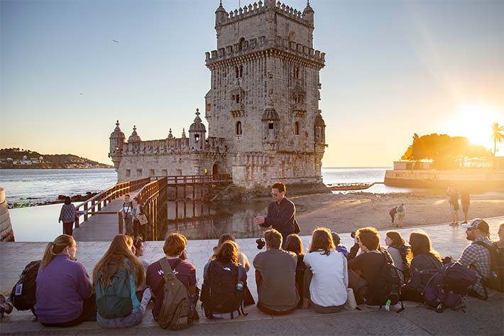 Students in front of the Torre de Belem